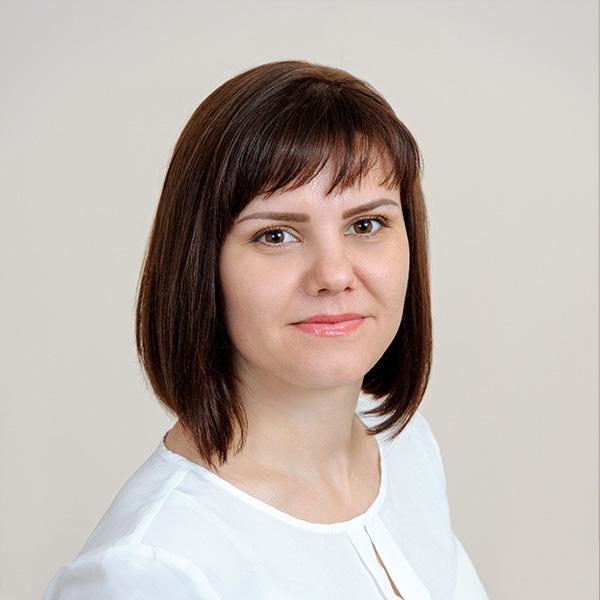 Алена Павлова, Исполнительный директор